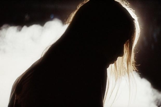 """Люкке Ли представила новое видео на песню """"Never Gonna Love Again"""""""