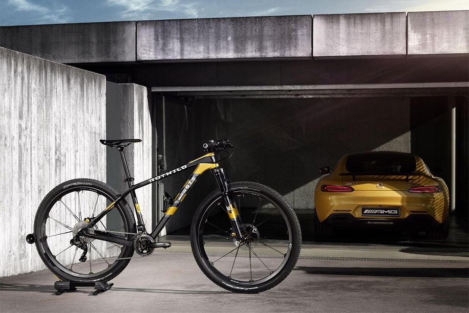 Mercedes-Benz и Rotwild представили горный велосипед в стиле купе Mercedes-AMG
