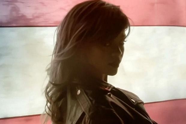 """Новый видеоклип Рианны на песню """"American Oxygen"""""""