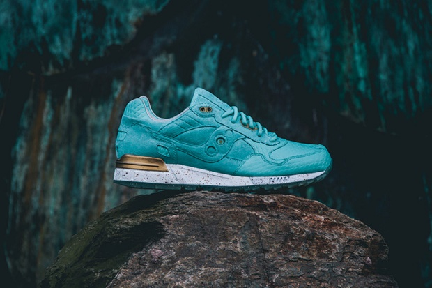 """Кроссовки Epitome x Saucony Shadow 5000 """"Righteous One"""""""