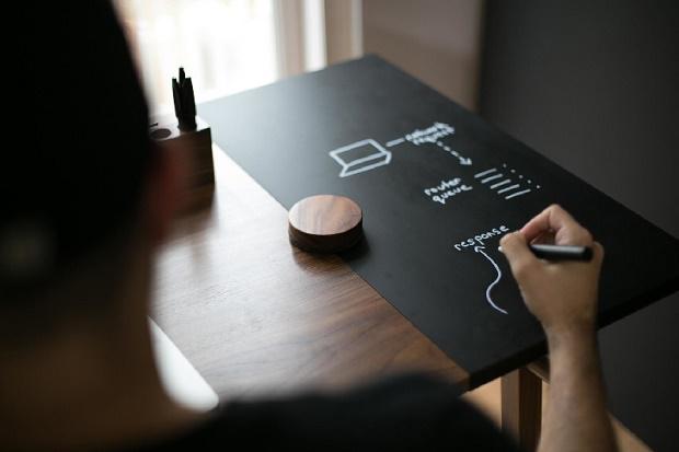 Стол Artifox Desk 01 оптимизирует вашу работу