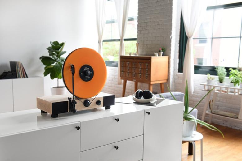 Вертикальный LP-проигрыватель Floating Record Vertical Turntable