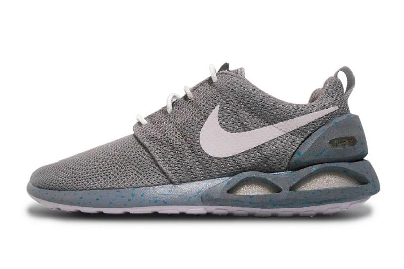 Кроссовки Roshe Run превращаются в Nike Air MAG