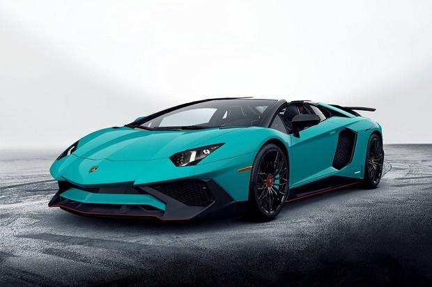 В сети появились первые изображения родстера Lamborghini Aventador