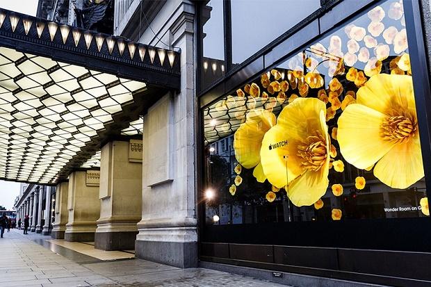 Apple преобразила бутик Лондона в цветочную оранжерею