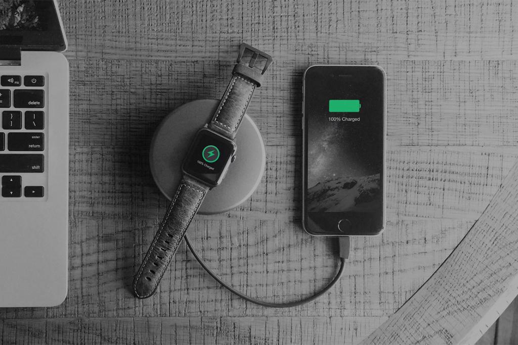 Универсальная зарядка Nomad Pod Pro для Apple Watch и iPhone