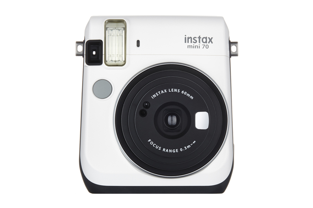 Fujifilm Instax mini 70: новая камера моментальной печати