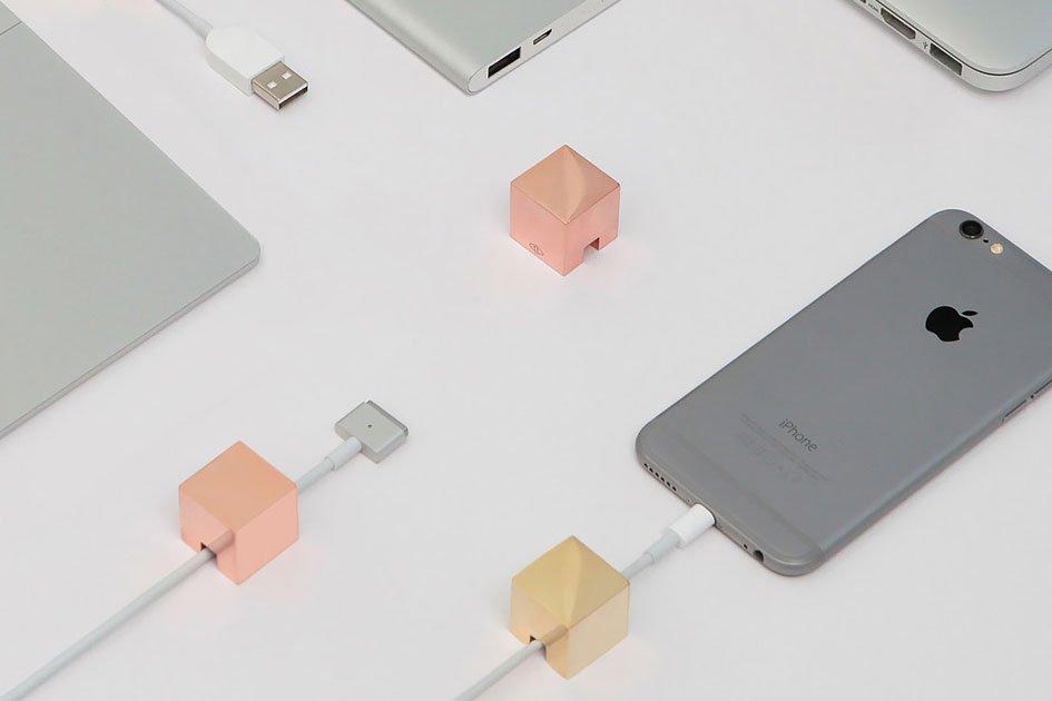 Кебей Ли представил дизайнерские держатели для проводов