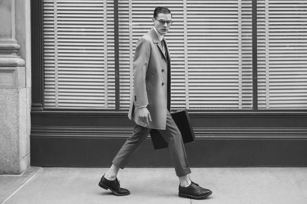 Лукбук коллекции солнцезащитных очков Thom Browne осень 2015