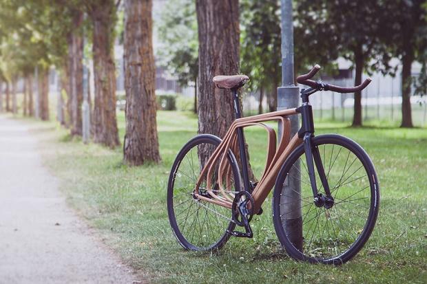 Вдохновленный 19-м веком велосипед с деревянной рамой