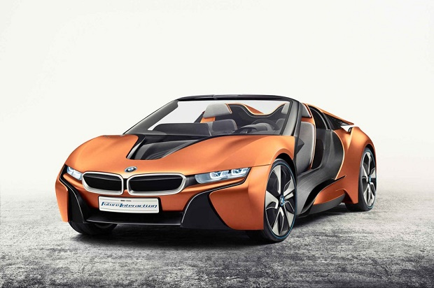 BMW анонсировали новые технологии с двумя концептами i8