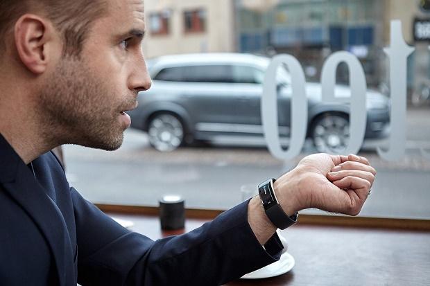 Голосовое управление Volvo с помощью браслета Microsoft Band 2