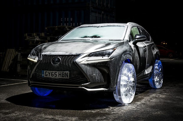 Lexus NX поставили на колеса изо льда