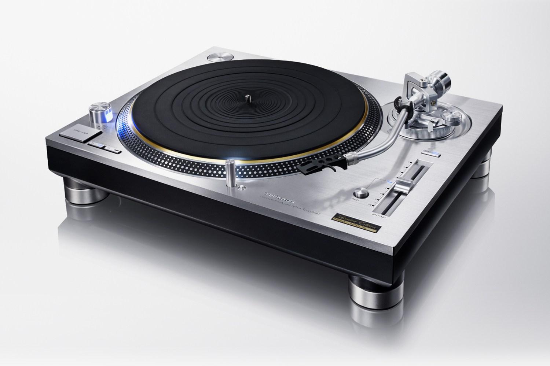 Panasonic возобновил выпуск проигрывателей виниловых пластинок Technics SL-1200