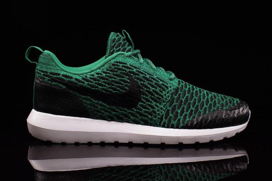 Изумрудно зеленые Nike Roshe NM Flyknit