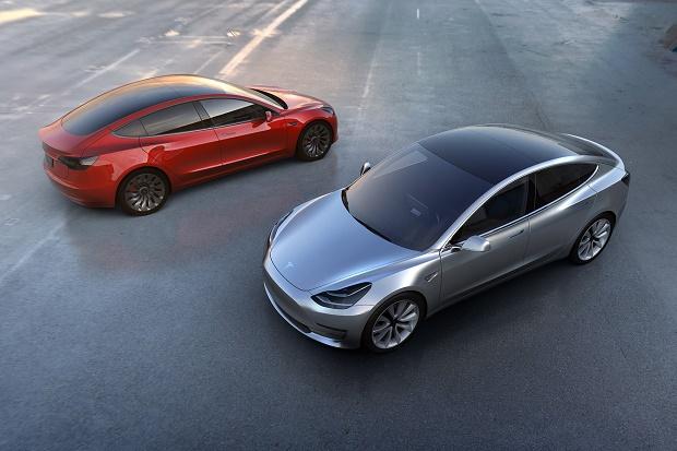 Tesla представила электромобиль для массового рынка