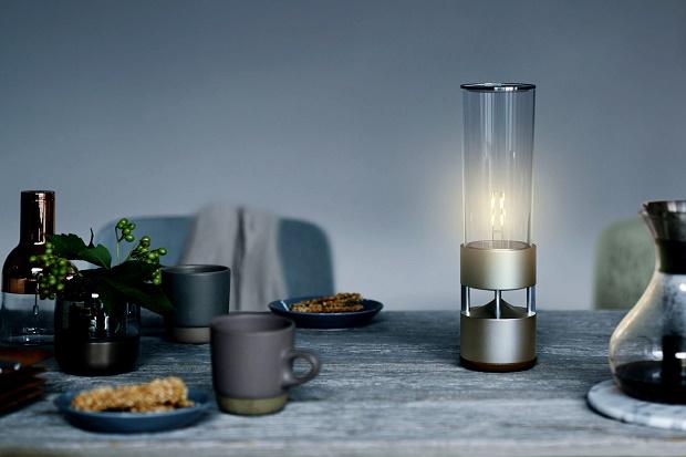 Sony Glass Sound Speaker — необычная стеклянная акустическая система с собственным источником света