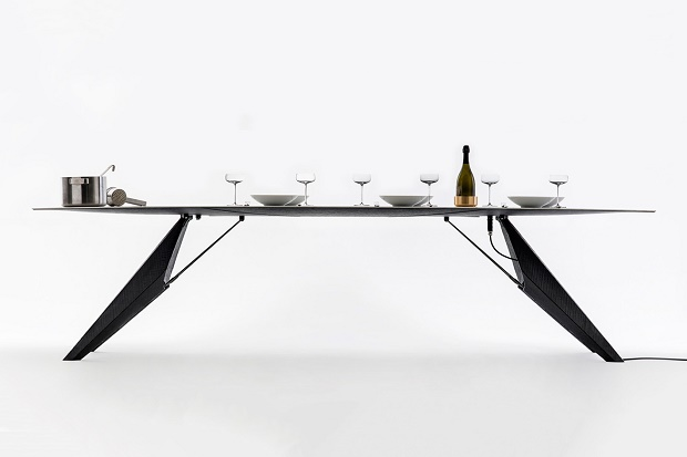 Умный обеденный стол может зарядить ваш телефон и вскипятить чайник воды