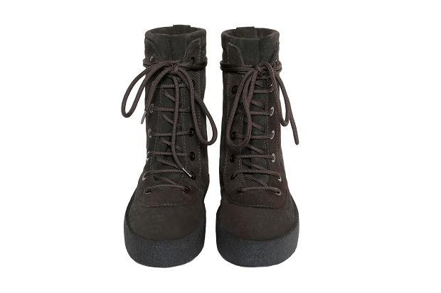 "Релиз ботинок YEEZY Season 2 Military Crepe Boot от Канье Уэста в новом цвете ""Oil"""