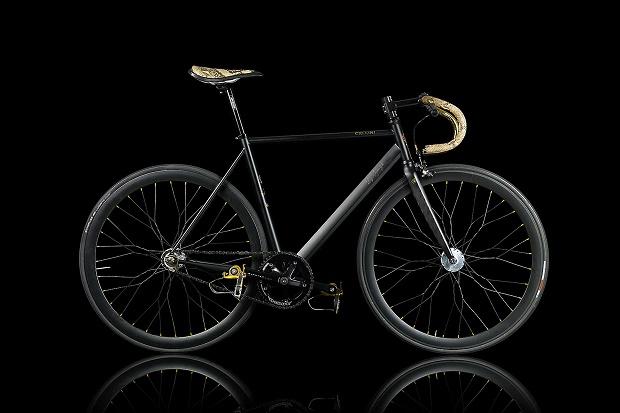 Велосипед компании La Strana Officina – слишком роскошный, чтобы оставлять его на улице