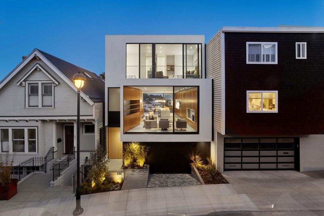 Панорамные окна дома в Сан-Франциско