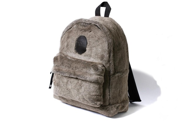 BAPE открывает выделяющийся меховой рюкзак для коллекции осень/зима 2016
