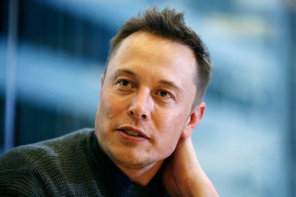 Элон Маск заинтриговал поклонников и инвесторов