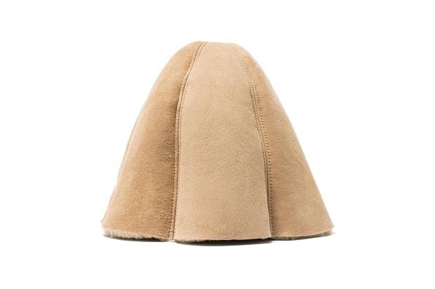 Hender Scheme представляют Mouton Tulip Hat по цене $ 350 долларов США