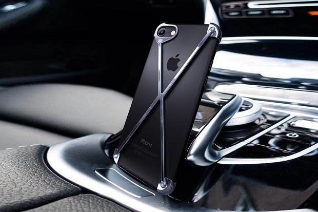 RADIUS v4 iPhone 7 Case представляет собой изящную альтернативу