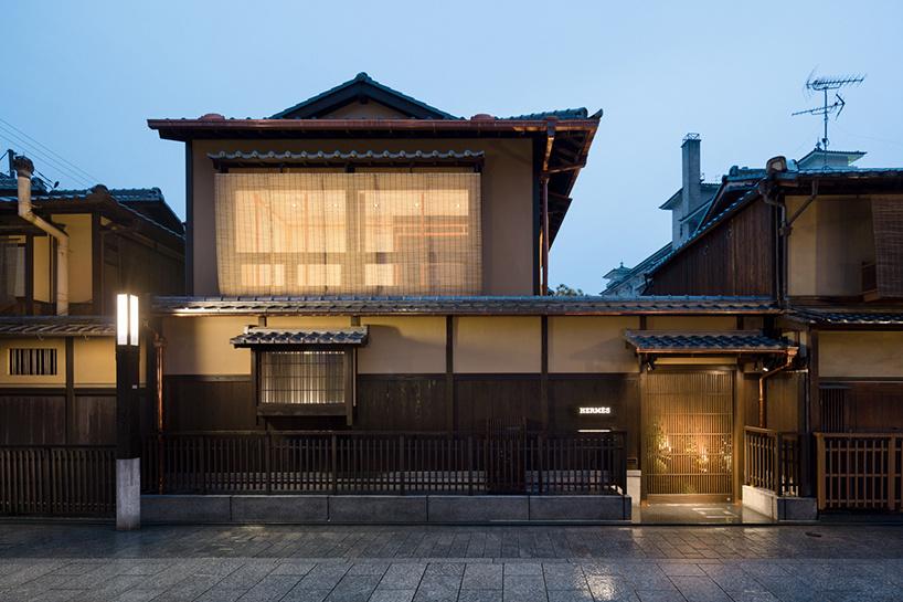 В честь 300-летия магазина Даймару в Киото появился pop-up бутик от Hermès