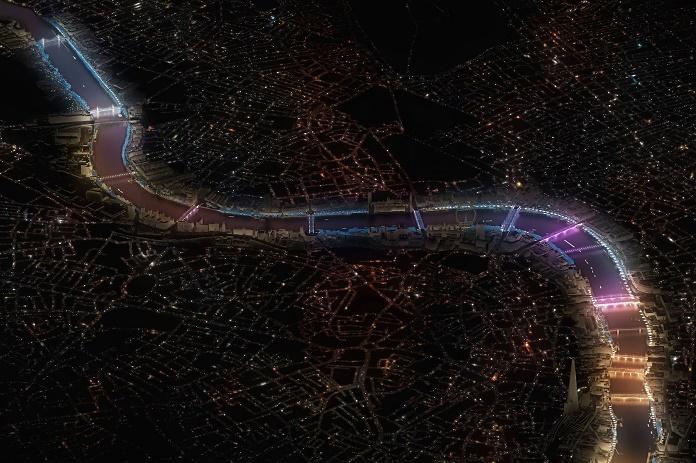 Американский художник преобразит мосты Лондона