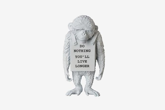 Бэнкси и Medicom Toy представили статуэтку «Символ обезьяны»