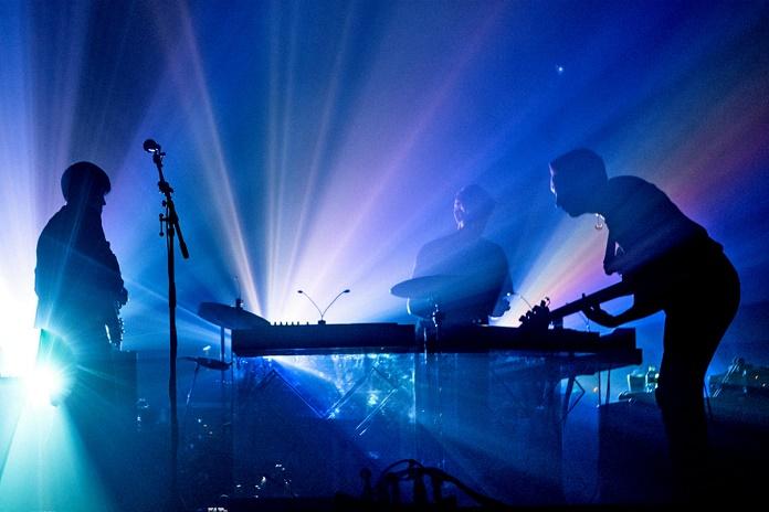 """Живое выступление The xx с синглами """"Lips"""" и """"Say Something Loving""""на шоу Джимми Фэллона"""