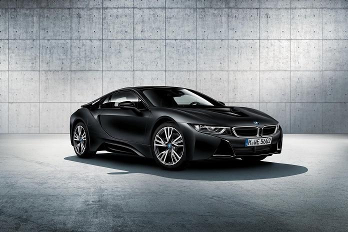 Спорткар BMW i8 прирастает спецверсиями