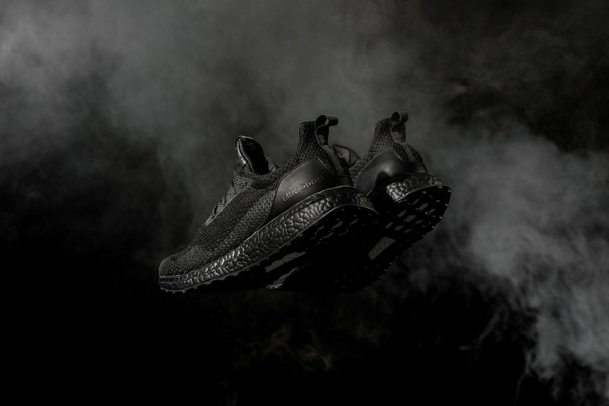 adidas Consortium и HAVEN представили новую модель «Triple Black» UltraBOOST