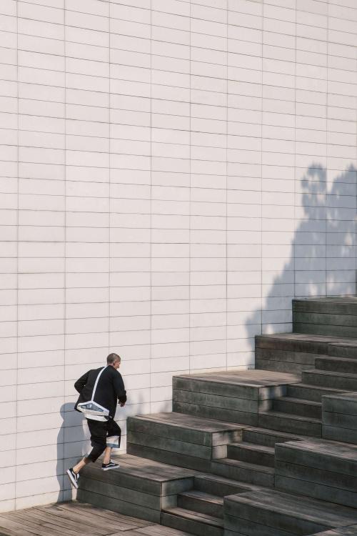 Коллекция IISE «004» для сезона весна/лето 2017 вдохновлена традиционной корейской архитектурой