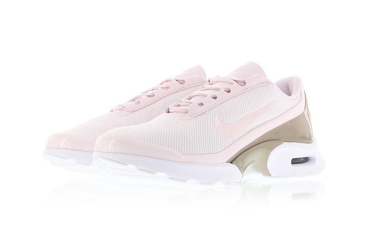 Кроссовки Baby Pink и Gold – новые лучшие друзья в линейке Nike Air Max Jewell Premium
