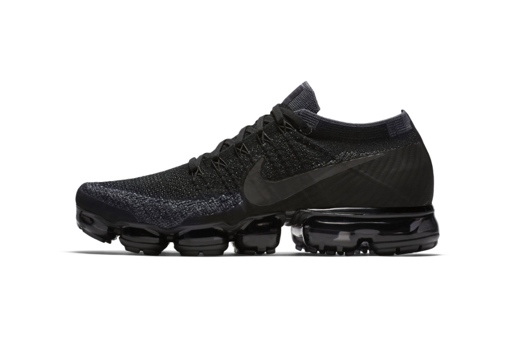 Кроссовки «Triple Black» Air VaporMax Surfaces от Nike