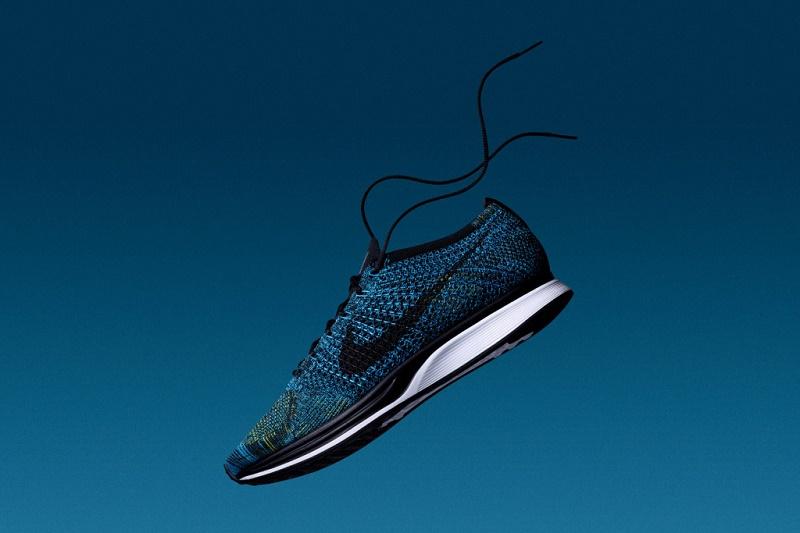 """Ряды кроссовок от Nike пополнятся новыми Flyknit """"Crew Blue"""""""