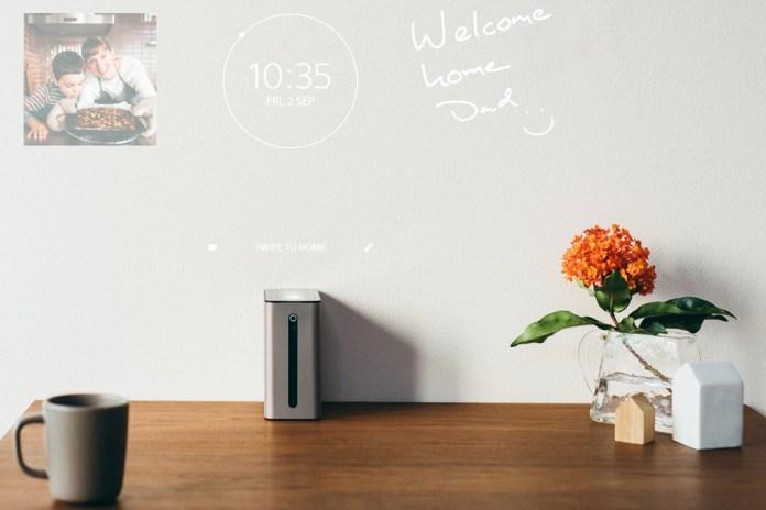 Sony представила проектор Xperia Touch