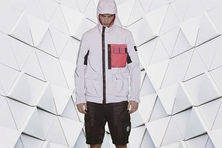 К сезону весна/лето 2017 Stone Island предлагает куртки Reflective Jacket