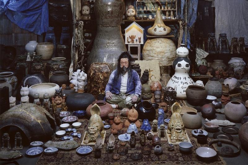 Такаси Мураками выступил куратором выставки керамики в Центре искусств Towada Art Center