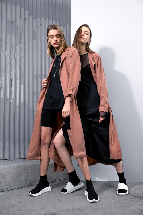 Легкая и светлая одежда из весенней коллекции The Arrivals
