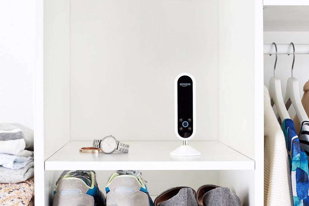 Amazon представила управляемую голосом камеру-стилиста Echo Look