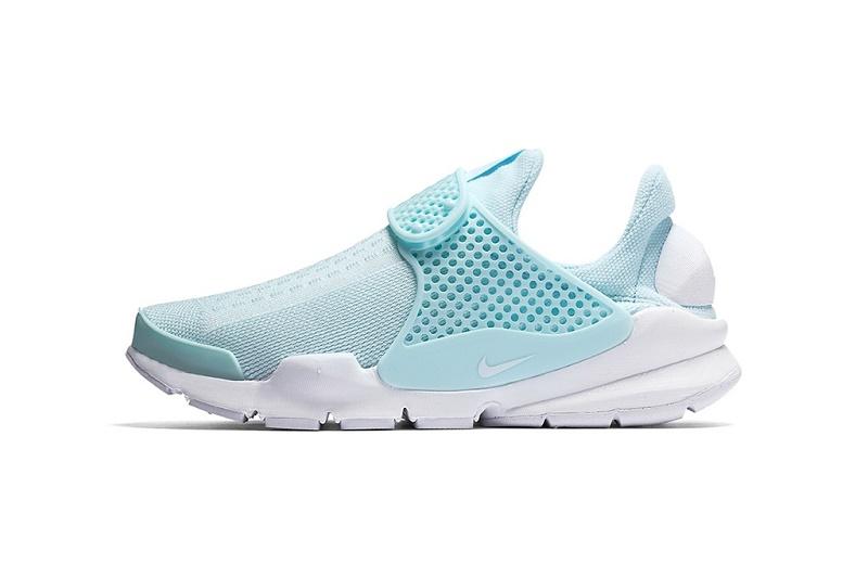 Nike «переодевает» Sock Dart в «Glacier Blue»