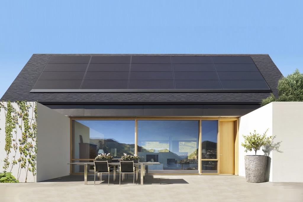 Tesla запустит производство солнечных панелей совместно с Panasonic