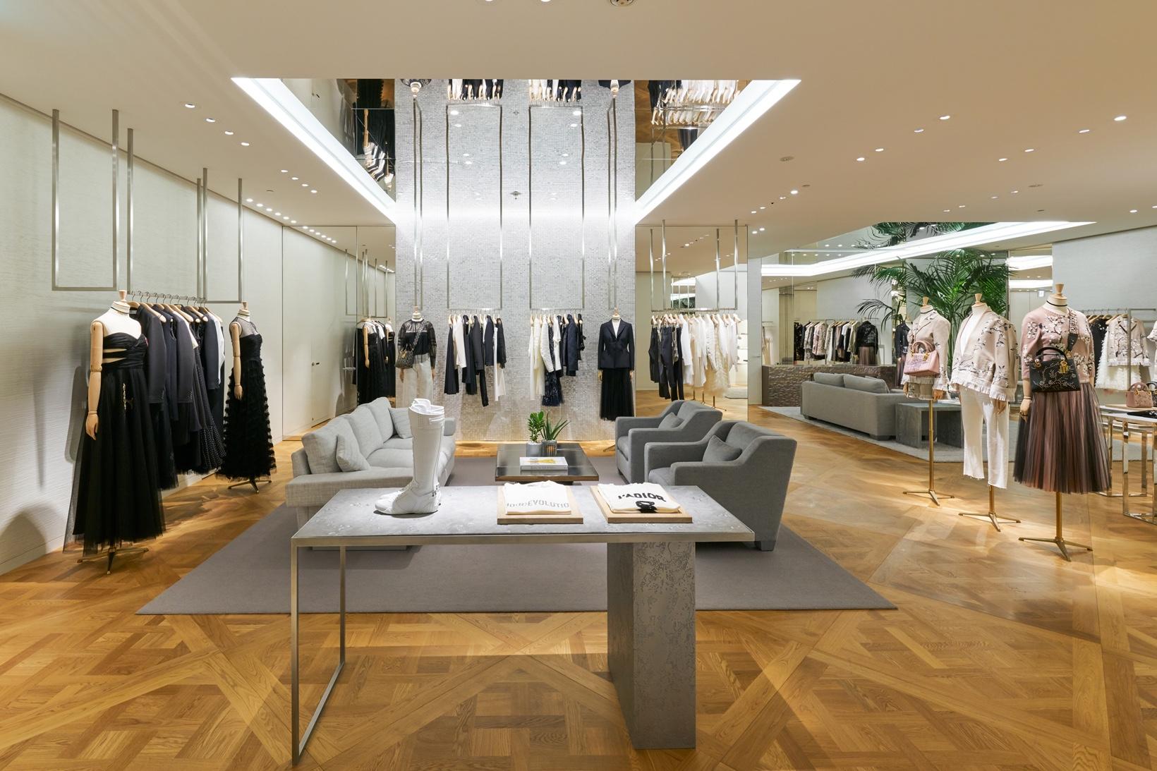 Загляните внутрь нового экстравагантного магазина Dior в Токио