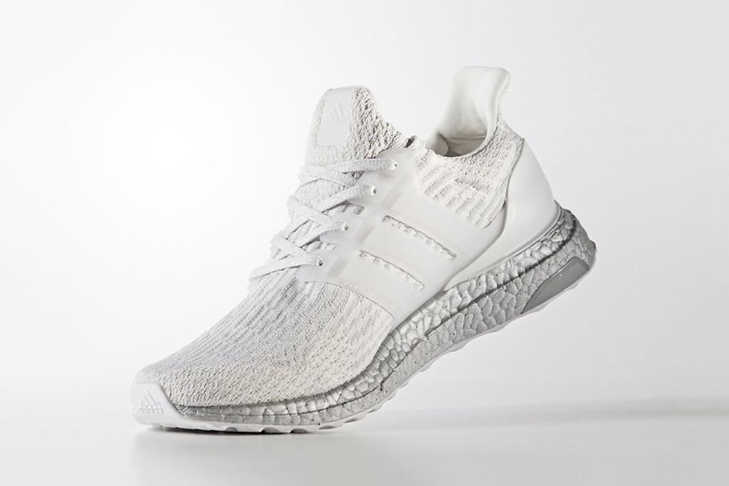 Свежее веяние для лета от adidas – кроссовки UltraBOOST «Crystal White»