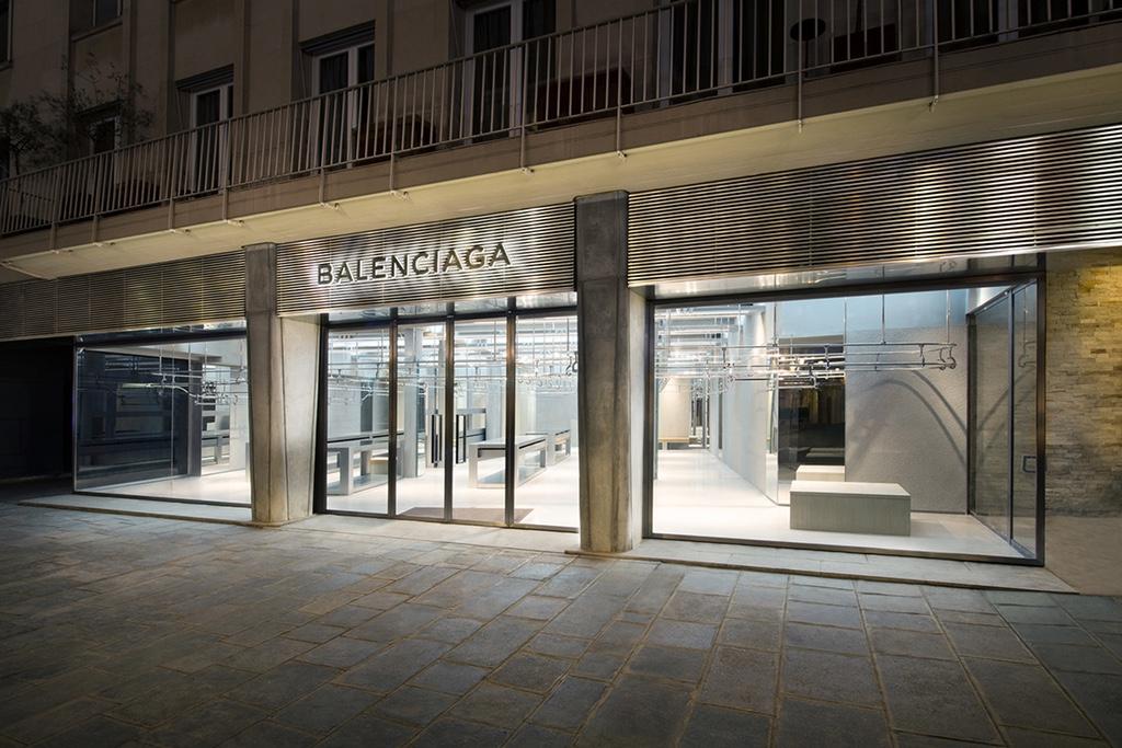 Четвертый магазин Balenciaga в Париже откроется в сентябре