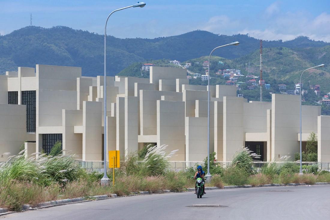 Церковь 100 Стен на Филиппинах